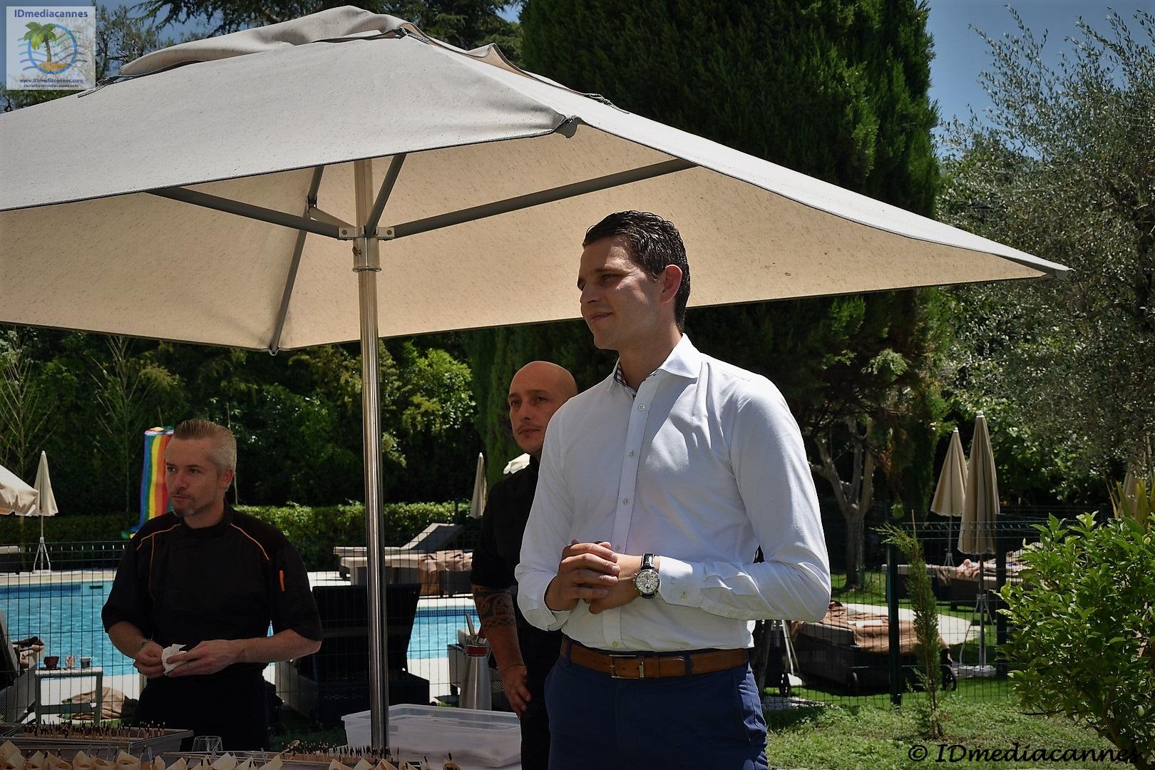 Basile arnaud le jardin idmediacannes for Le jardin mougins restaurant